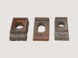 永年县雨博铸造厂河北邯郸市本厂生产各种型号垫板、扣板、压板、轨卡等产品